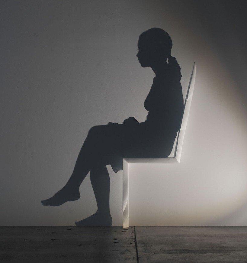 D_kumi-yamashita_chair-818x870.jpg 빛으로 작품을 만드는 예술가
