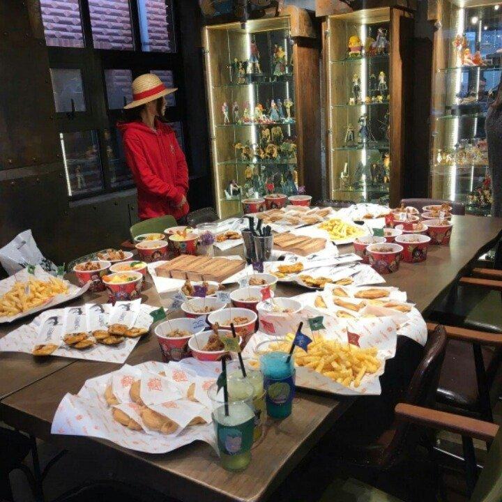 3.jpg 홍대에 오픈한 원피스 카페 실체