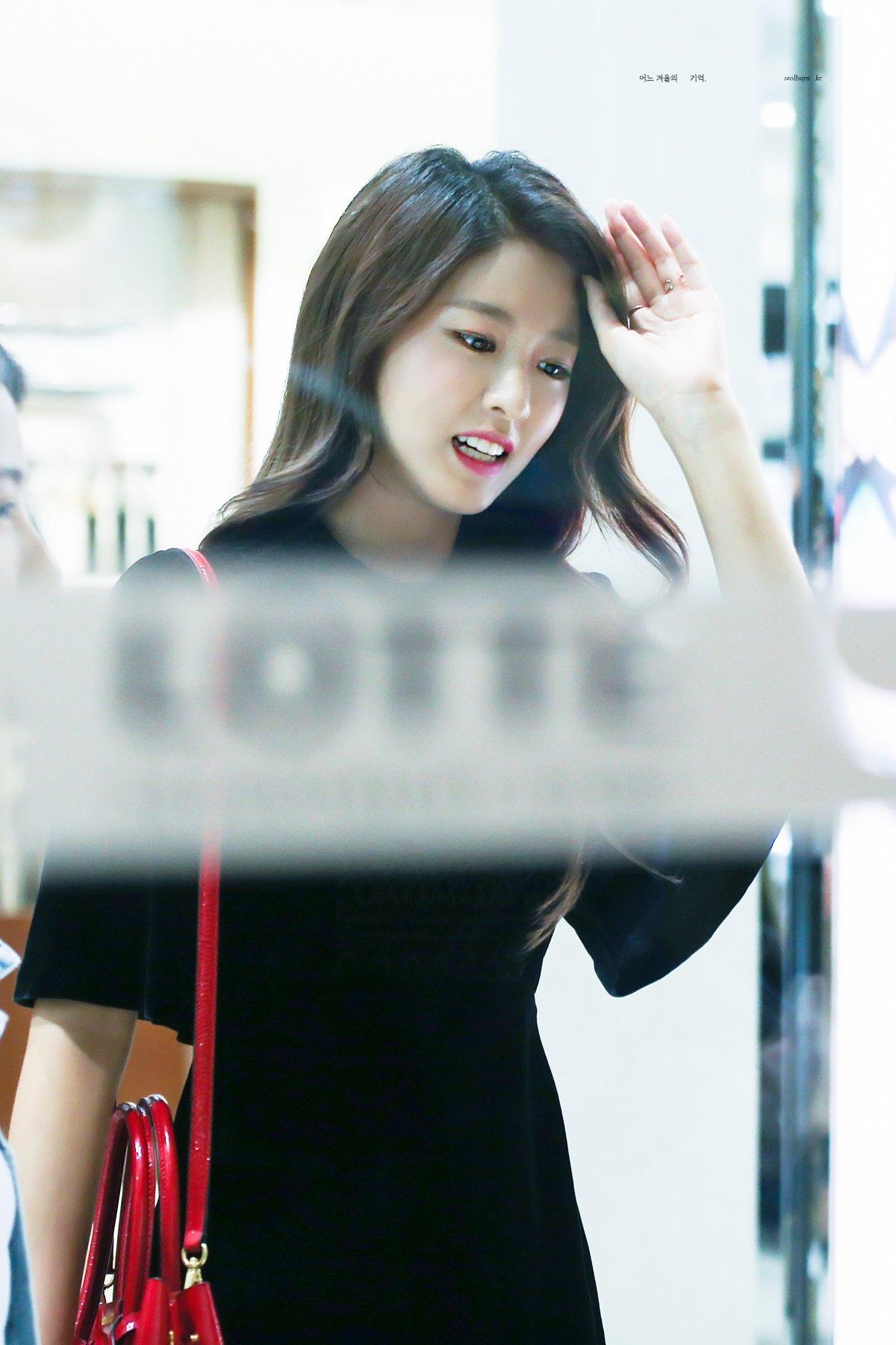 161014 HAZZYS 팬싸인회 설현