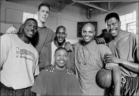 스페이스_잼.jpg NBA에서 가장 큰 선수와 가장 작은 선수