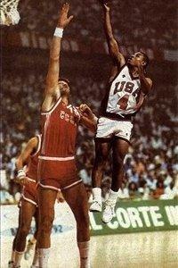 naver_com_20130221_104236.jpg NBA에서 가장 큰 선수와 가장 작은 선수