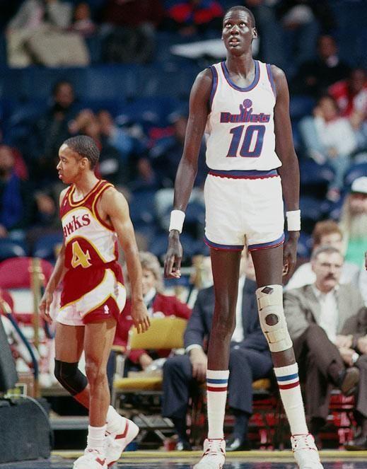 61.jpg NBA에서 가장 큰 선수와 가장 작은 선수
