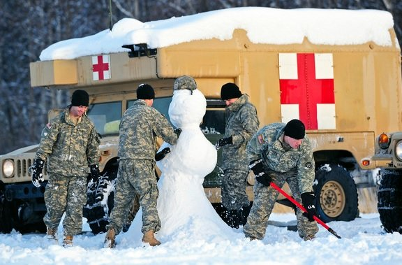 65ca9294e341c5ba0e321cc723c57002.jpg 군대에서 기상했는데 눈 펑펑 올때 특징.fact