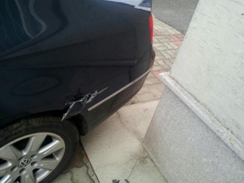 3d02815613dee5030993ff151247c75d.jpg 남자친구 차를 뿌셨어요.jpg