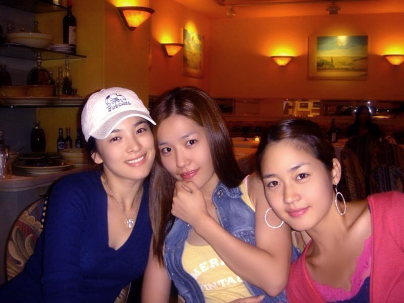 be610ca88e48a0270daadd5d73955f1d.jpg 은광여고에서 얼굴로 나름 유명했다는 여자연예인 둘.JPG