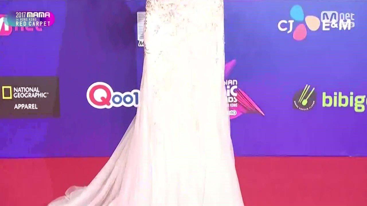 [Mnet] 2017 MAMA Red Carpet in Hong Kong.E01.171201.720p-NEXT.mp4_20171207_221738.523.jpg 원빈이 목숨걸고 구한 이유