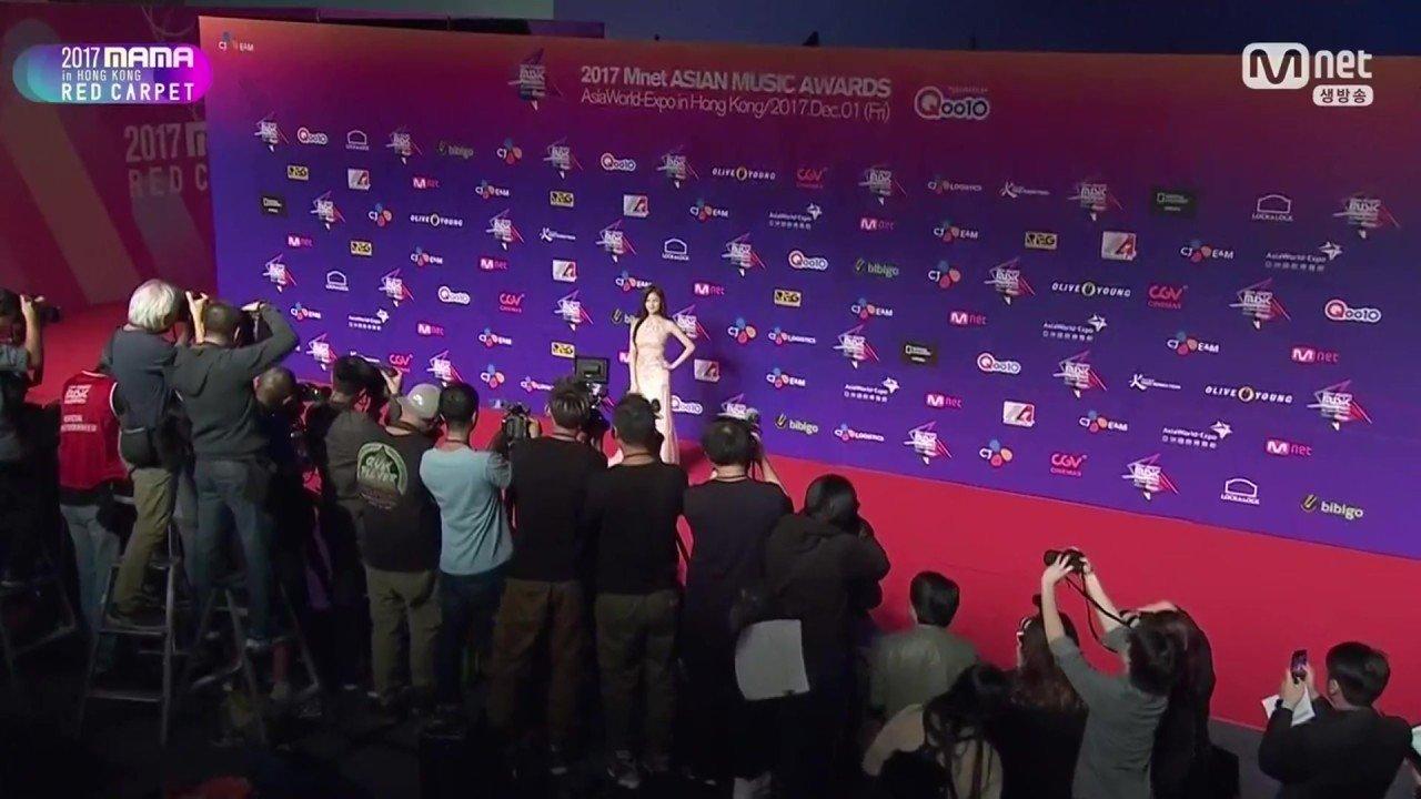 [Mnet] 2017 MAMA Red Carpet in Hong Kong.E01.171201.720p-NEXT.mp4_20171207_221736.595.jpg 원빈이 목숨걸고 구한 이유
