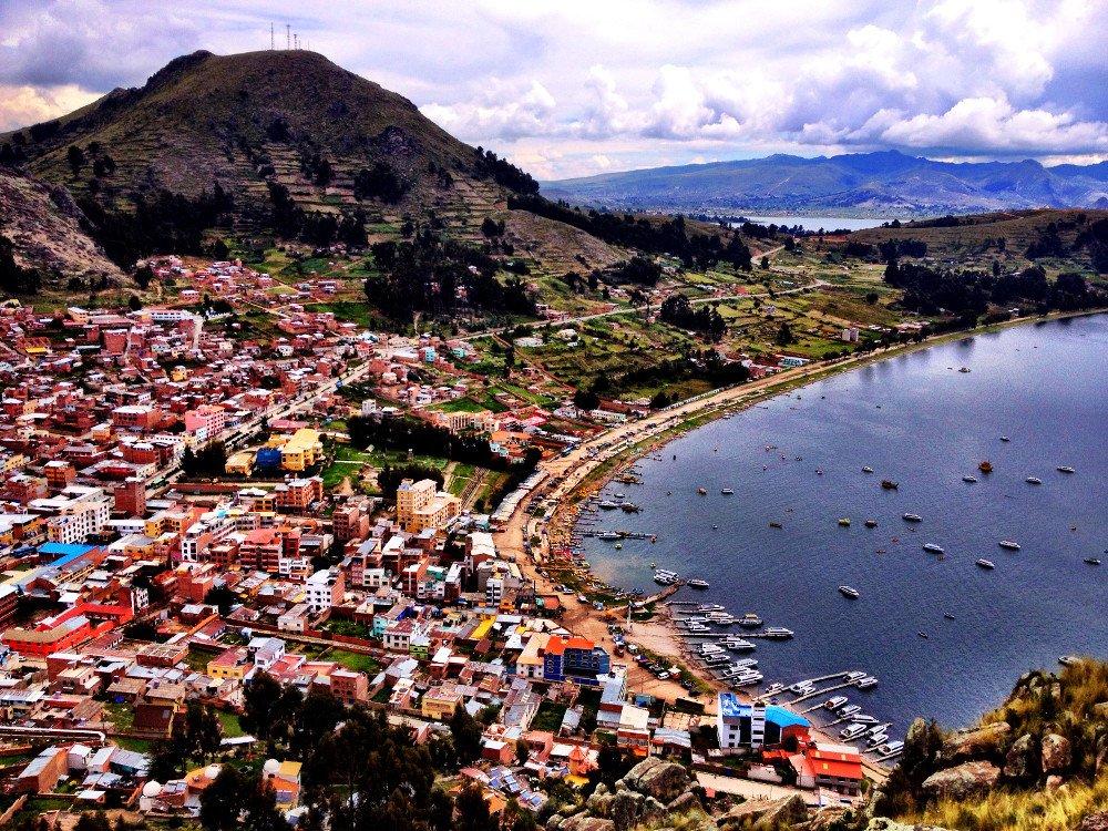 View-from-La-Cupula-Copacabana-Double-Barrelled-Travel.jpeg 볼리비아 태양의섬에서 40세 한국인 여성 목잘린체 발견됨.