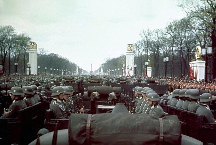 9.jpg 나치독일 컬러 복원 사진들.JPG 나치독일 컬러 복원 사진들.JPG (스압)나치 독일 당시 컬러 사진..JPG