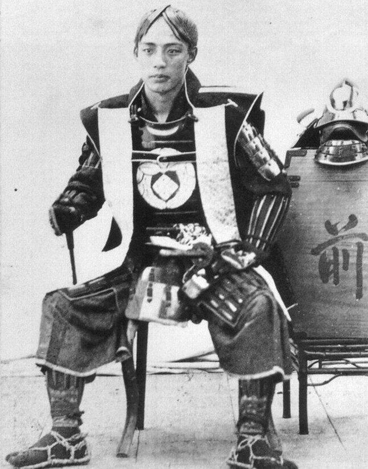 b31521cc501daf6ff9e9b11892161af6.jpg 19세기 후반, 사진으로 남아있는 동북아 갑옷 착용샷들