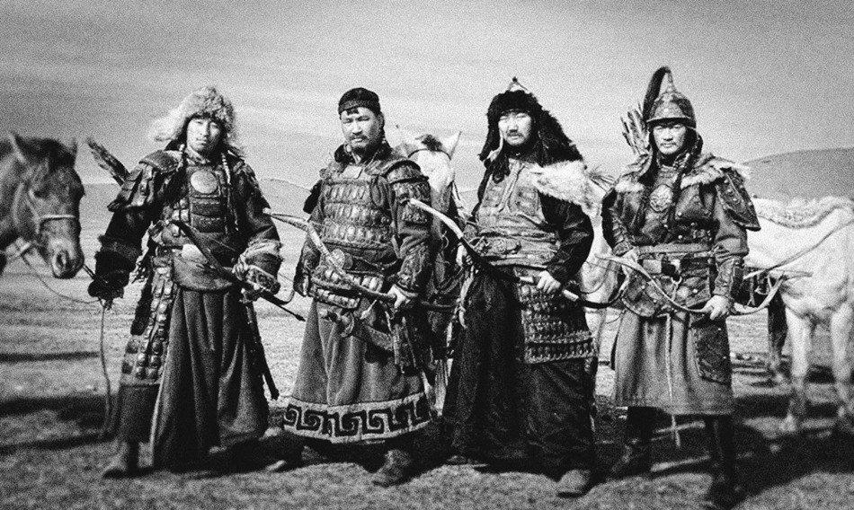 CFDF2LWWYAEQjCf.jpg 19세기 후반, 사진으로 남아있는 동북아 갑옷 착용샷들