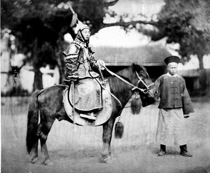 70da71a38cb9db9f6408e40e7c4a4688--qing-dynasty-mongolia.jpg 19세기 후반, 사진으로 남아있는 동북아 갑옷 착용샷들