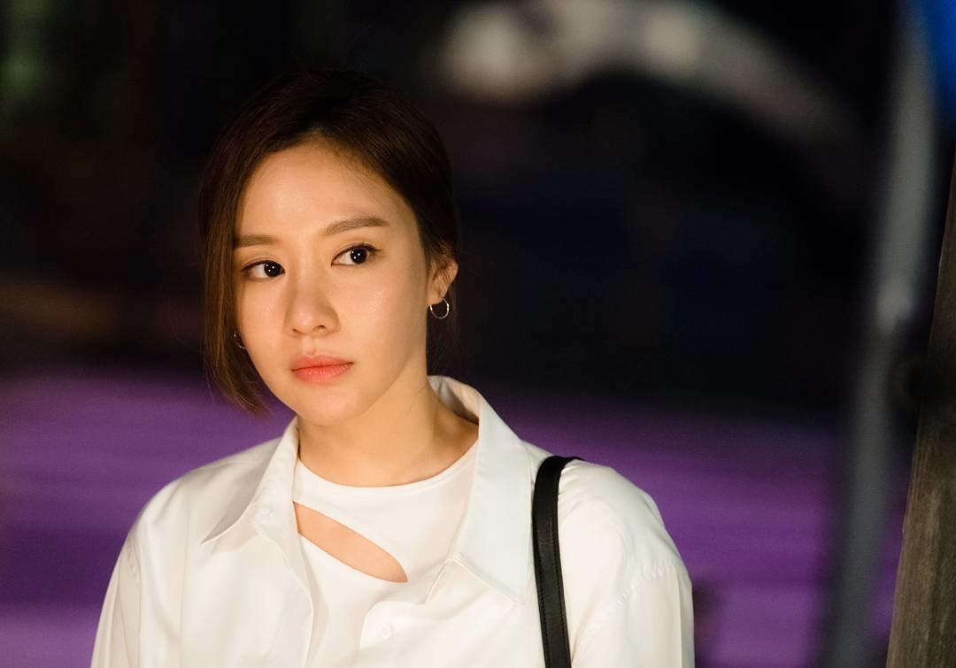 김아중.jpg 페미니스트 선언한 여자연예인들