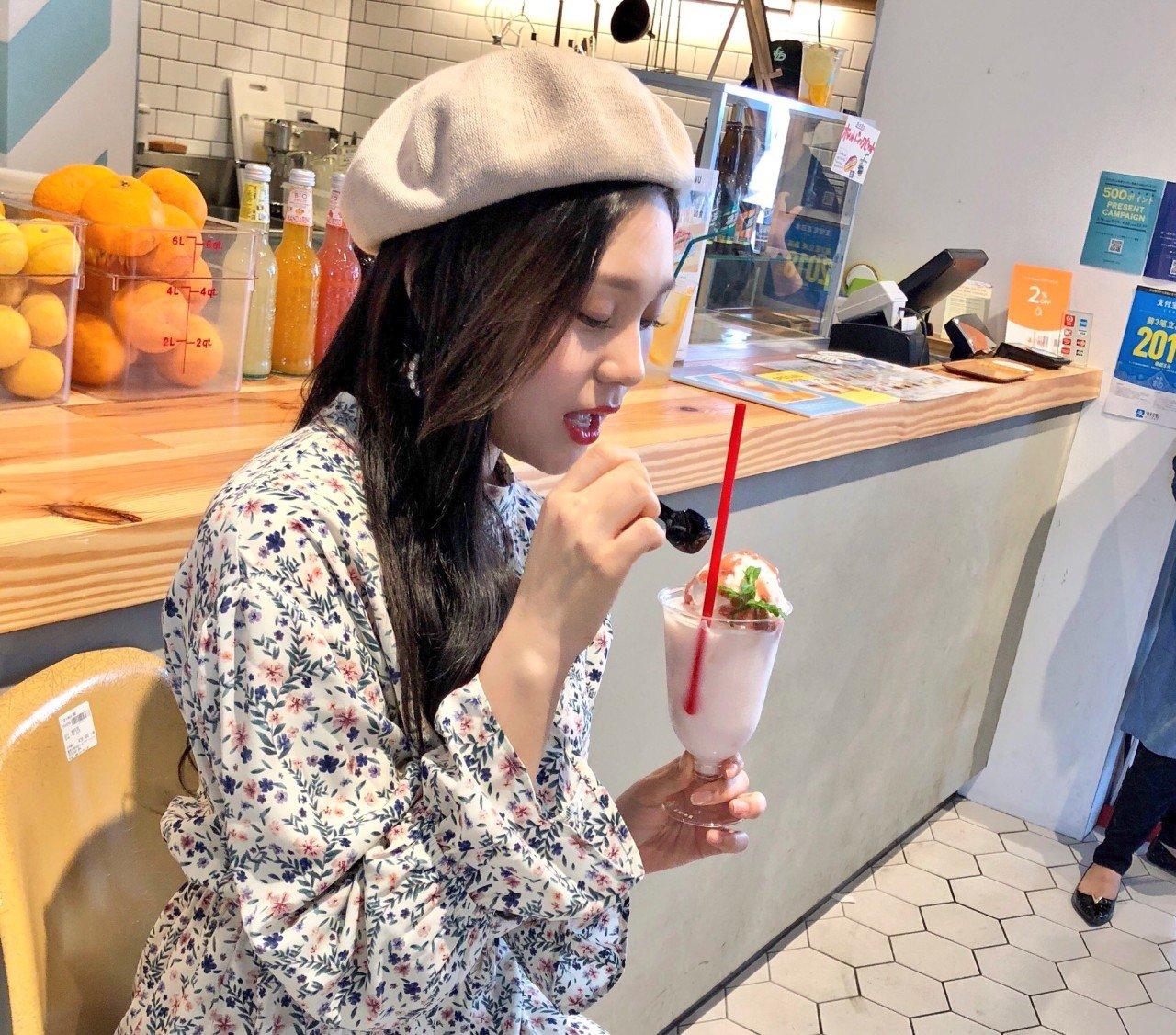 DZ_NdEHUwAcStPV.jpg 여자친구 일본 공트#엄지