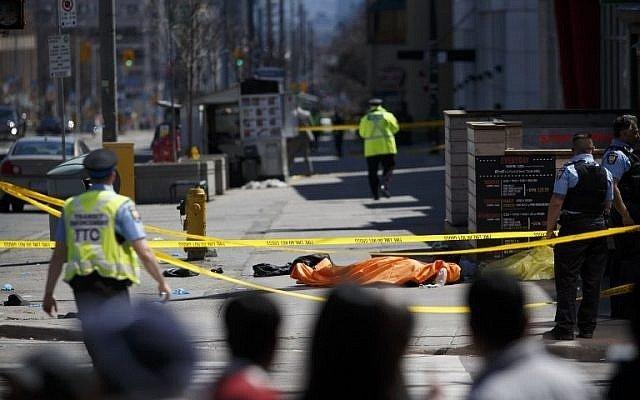 063_950401056-640x400.jpg 평화로운 캐나다를 충격과 공포에 몰아넣은 묻지마범죄 끝판왕.. Apr.23/2018 자