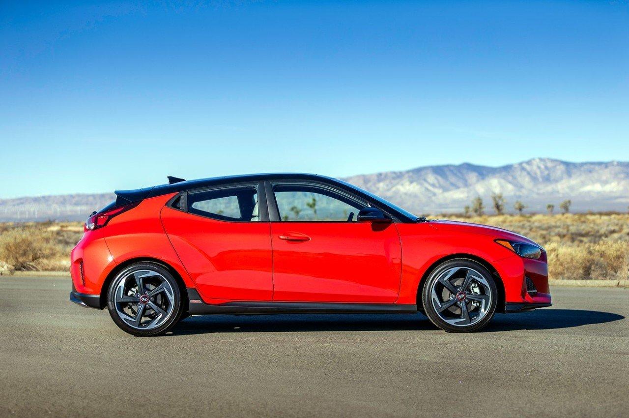 2019-Hyundai-Veloster-Turbo-side-02.jpg 투스카니 의인이 받게되는 신형 벨로스터.jpg