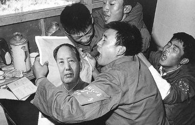 마오쩌뚱4.PNG (중복,혐)마오쩌둥이 평생 '그 곳'을 씻지 않은 이유