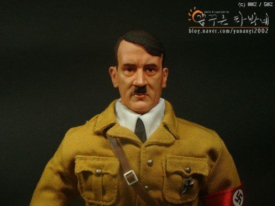 188290bda0eae4.jpg 아돌프 히틀러 피규어.jpg