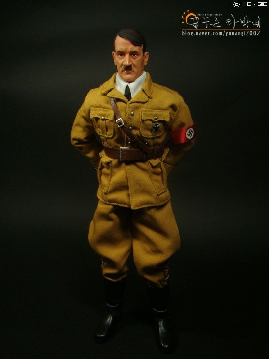 188294c4de48a0.jpg 아돌프 히틀러 피규어.jpg