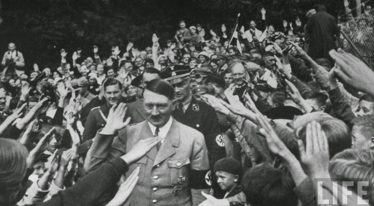 hitller.jpg 히틀러와 나치당의 정권장악 - 극단적인 사상이 사회를 삼키는 과정
