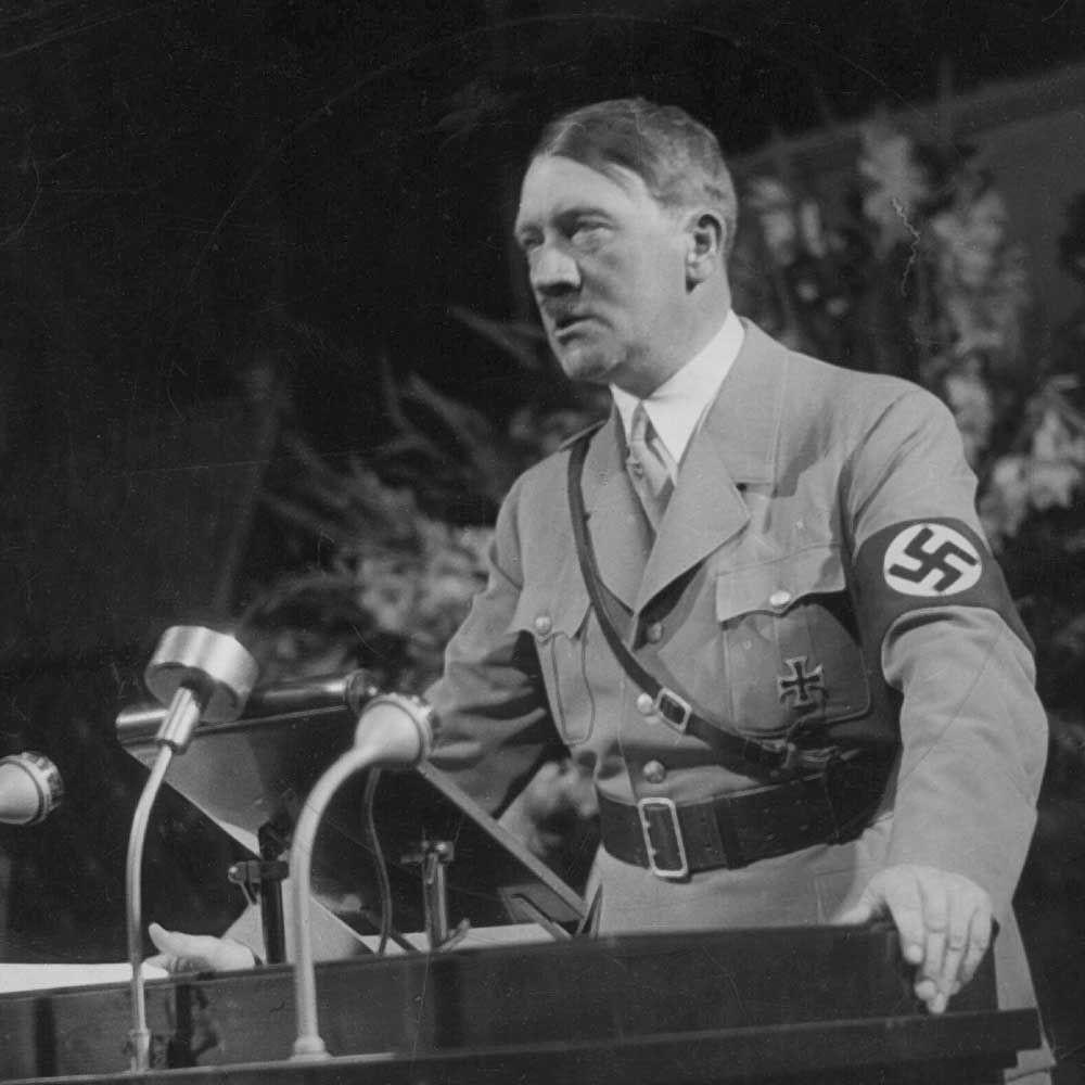 a212a0762837069eaa6323e712ff569d.jpg 히틀러와 나치당의 정권장악 - 극단적인 사상이 사회를 삼키는 과정