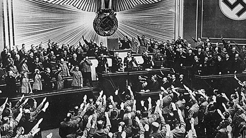 583abfa7c46188d3398b45b0.jpg 히틀러와 나치당의 정권장악 - 극단적인 사상이 사회를 삼키는 과정