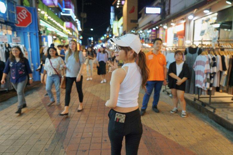 홍대1.jpg 모모노기 카나 in 서울..jpg