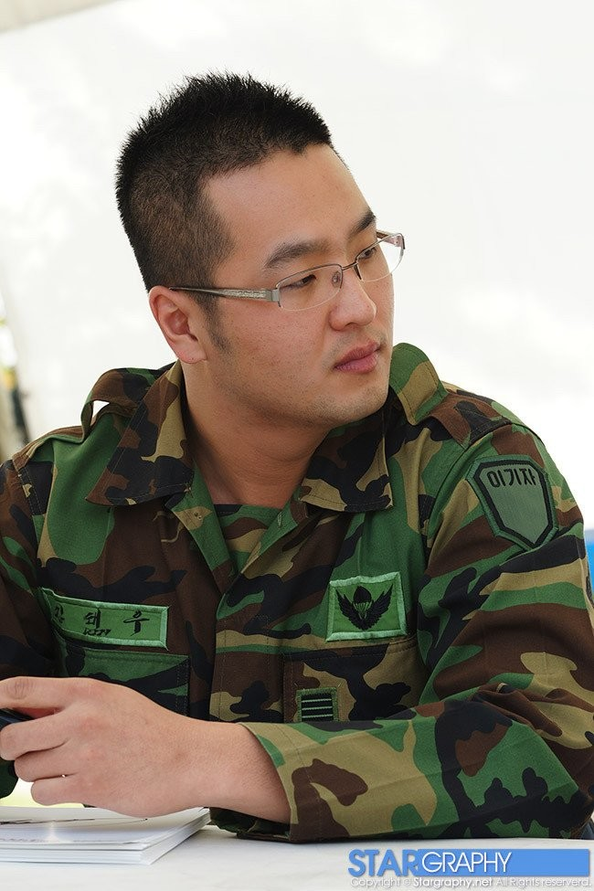 426803F2-0605-4BF1-A501-5BAE6F2E5DC9.jpeg 연예인으로 보는 군대에서의 관상별 특징.jpg