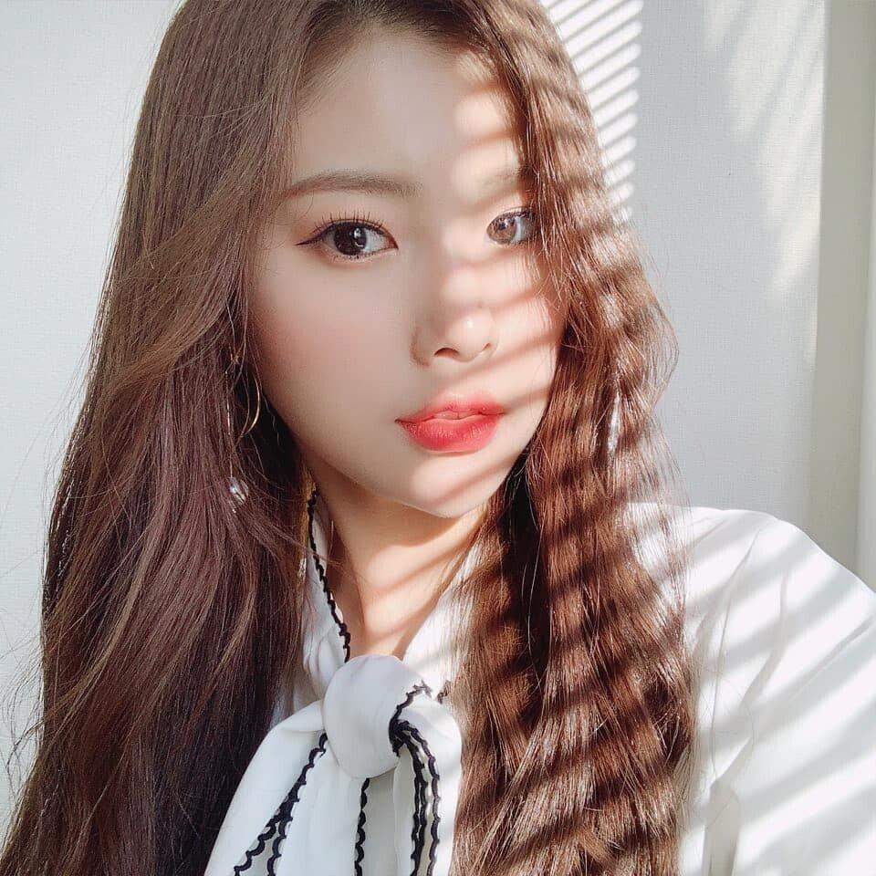 D0Db-cUUcAAWAUk.jpeg.jpg 강혜원 데뷔 전후 셀카