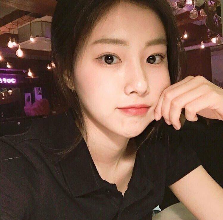 kanghyewon-20180909-181105-008.jpg 강혜원 데뷔 전후 셀카