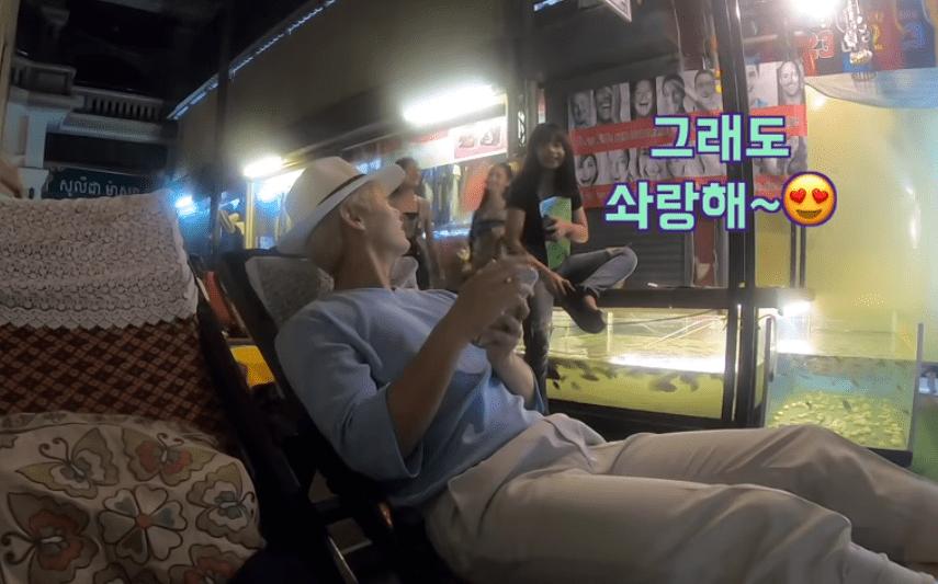 7bebe0ca2a3ea15903c8311a5c3a714f.png 잘생긴 한국 남자가 캄보디아 길거리에 돌아다니면