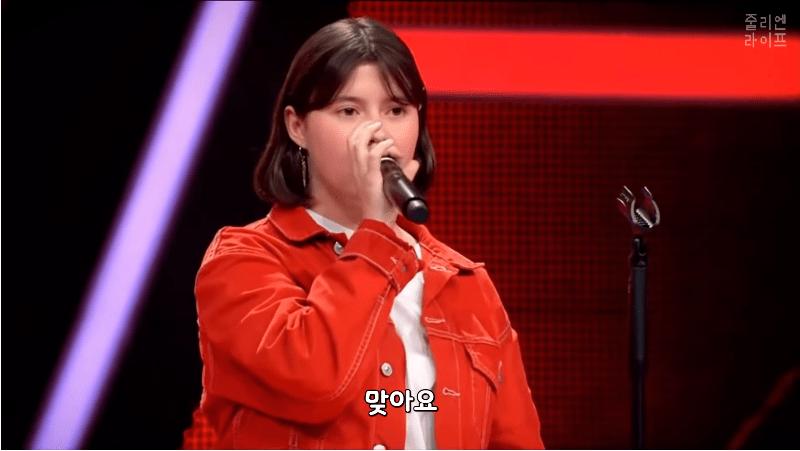 캡처_2019_04_16_16_33_40_230.png 독일 오디션에서 한국어로 노래부르는 독일소녀.mp4