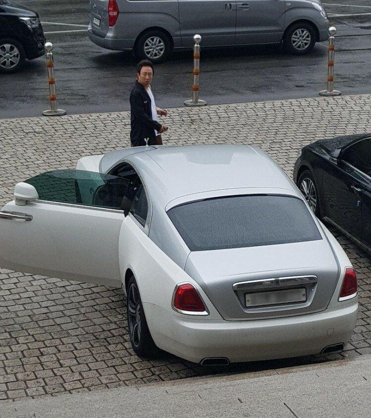 190509101149_8Ns1co8JeT.jpg 연예인 중 가장 검소하다는 박명수의 오래된 자동차.car