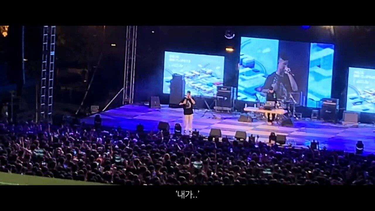 빈지노가 대학생들에게 (Feat. 스윙스) - YouTube (720p).mp4_20190523_220003.762.jpg 빈지노가 대학생들에게...jpg