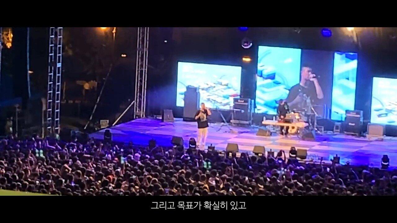 빈지노가 대학생들에게 (Feat. 스윙스) - YouTube (720p).mp4_20190523_215930.234.jpg 빈지노가 대학생들에게...jpg