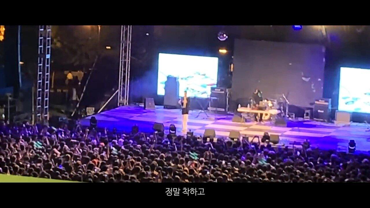 빈지노가 대학생들에게 (Feat. 스윙스) - YouTube (720p).mp4_20190523_215926.866.jpg 빈지노가 대학생들에게...jpg