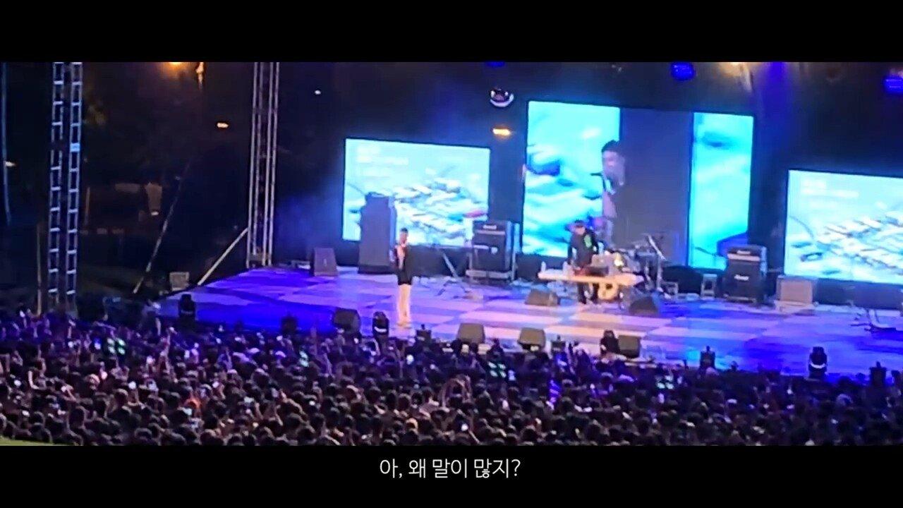 빈지노가 대학생들에게 (Feat. 스윙스) - YouTube (720p).mp4_20190523_220039.090.jpg 빈지노가 대학생들에게...jpg
