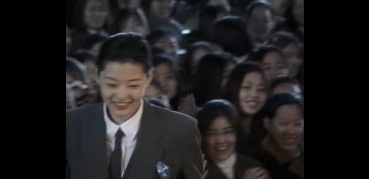 Screenshot_20190703-234702_YouTube Vanced.jpg 약 20년전, 여고생이었던 연예인들 졸업식