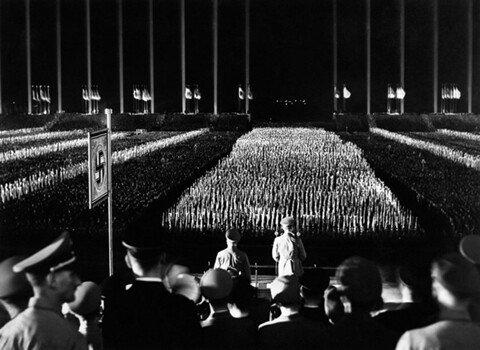 7.jpg 1930년대 나치전당대회 연출수준