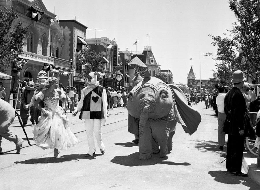 pic_006.jpg 1955년 7월 17일 디즈니랜드 풍경