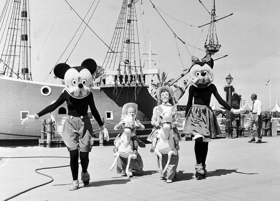 pic_002.jpg 1955년 7월 17일 디즈니랜드 풍경
