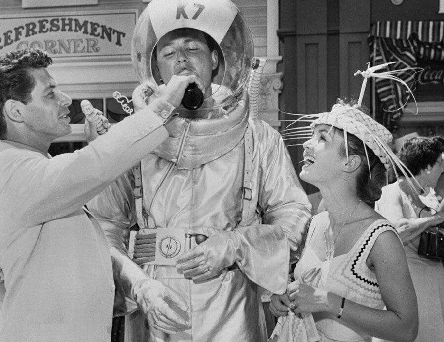 pic_008.jpg 1955년 7월 17일 디즈니랜드 풍경