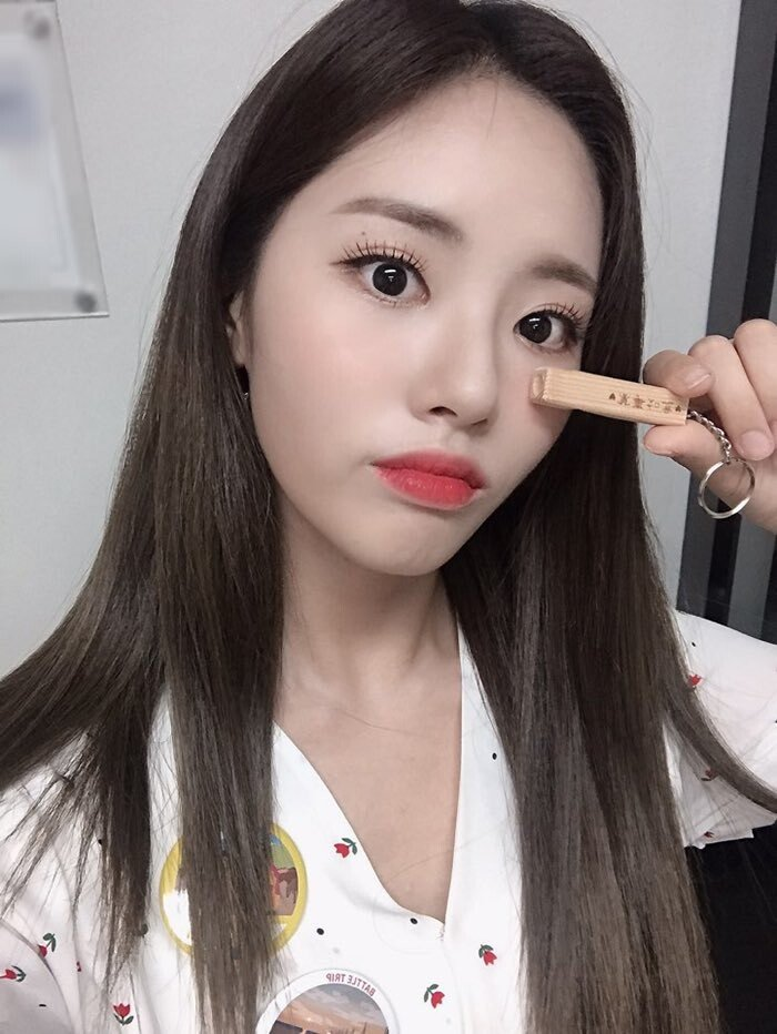 프로미스나인 박지원 생일맞이 이벤트~! - 걸그룹 갤러리 - 에펨