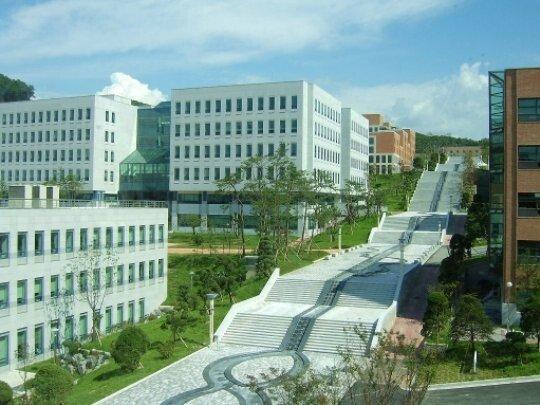 eb8ba8eab5adeb8c80.jpg 캠퍼스 넓고 예쁜 대학 특징.jpg