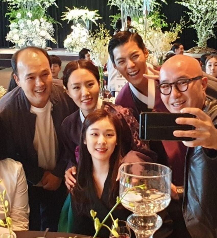 1570875304.jpg 오늘 결혼한 강남 이상화 커플의 결혼식 사진들......JPG