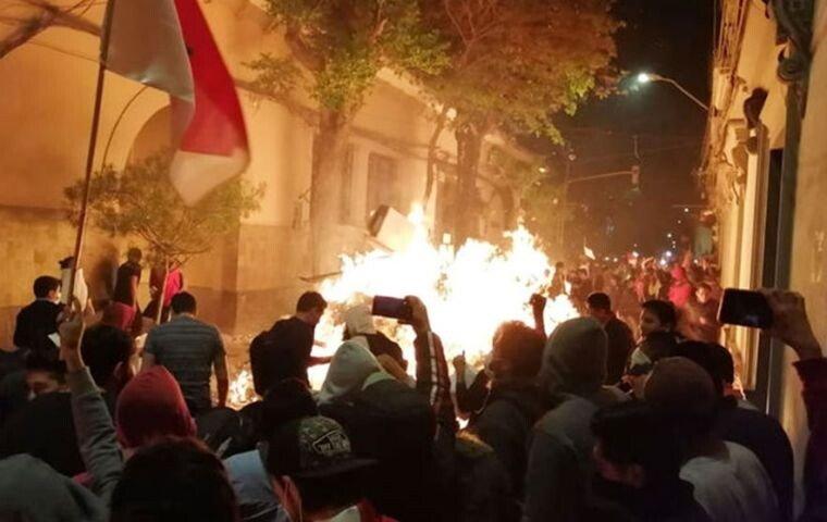 bolivia-protest.jpg 한국계 대통령 후보가 출마한 볼리비아 대선 근황.jpg