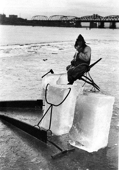 C6E9A828-AD81-43D1-9BD4-7F5B8426F101.jpeg 옛날 한강에서 얼음 채취 하는 모습 jpg.