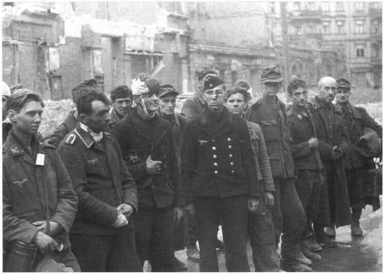 8a71dc49b68a4d6d6f00ff00888b12d130013aacadd21185a710632e646cb02fda43aa5d40a8e7bb2250d64fd7afddfe6604709416780d5412921bc79b42f5d2ac4f1b161c53f4961124ddcface100b07e7e8bf69cd1a1cde1e7a50ab8b3769a.jpeg 2차세계대전 말 독일의 발악.jpg