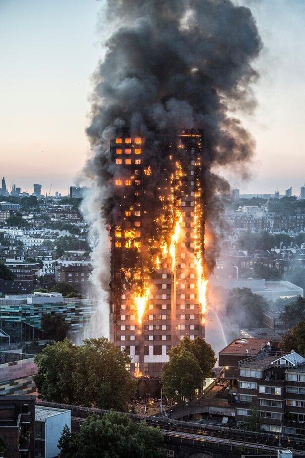 PROD-PAY-Major-fire-at-Grenfell-Tower-in-West-London.jpg 런던 아파트 화재 당시 유튜브 실시간 댓글