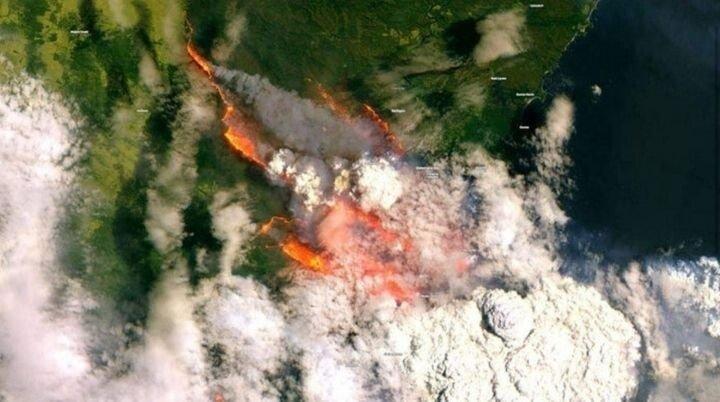 7F6D6548-62CB-422C-8A8C-B00115F7E79F.jpeg 우주에서 본 호주 산불 사진